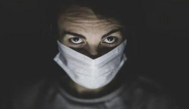 """""""Sağlık çalışanlarının COVID-19 nedeniyle ölmesini istemiyoruz!"""""""