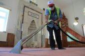 Gölbaşı Belediyesi camileri dezenfekte etti