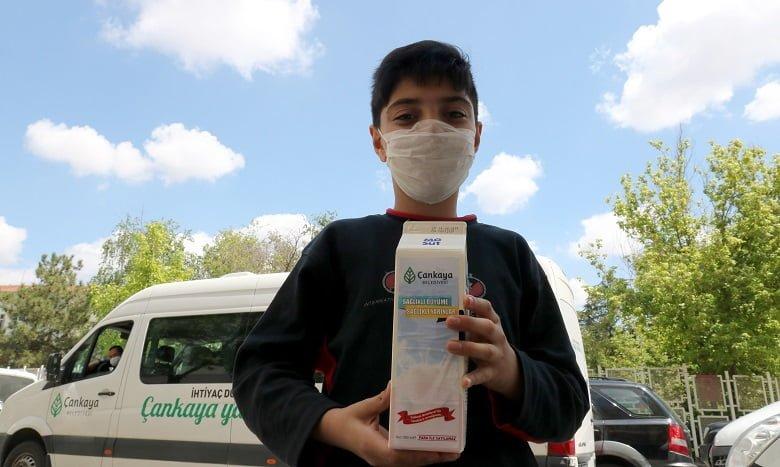 Çankaya'dan çocuklara süt