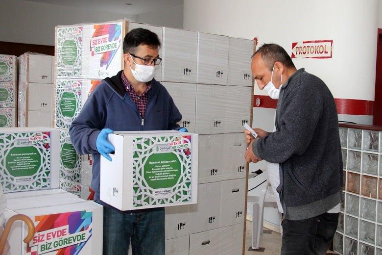 Çankaya'da esnafa gıda desteği