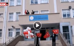 Akyurt'ta tüm okullardan gökyüzüne kırmızı beyaz balonlar bırakıldı…