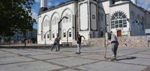 Akyurt'ta camiler ibadete hazırlanıyor