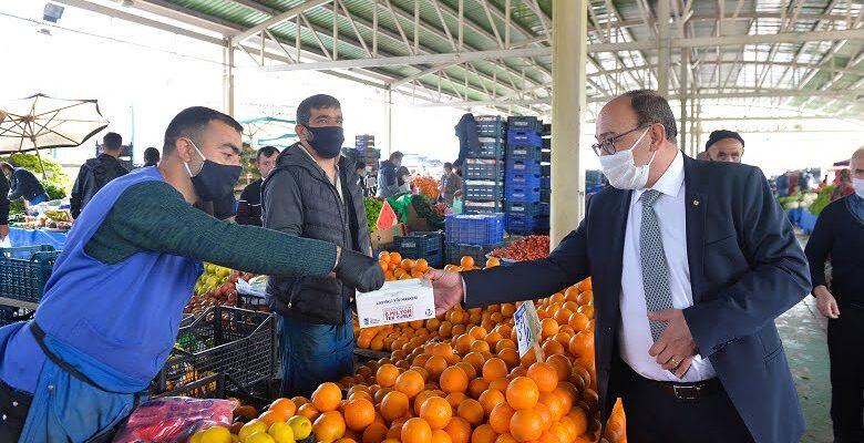 Başkent esnafına maske dağıtımı devam ediyor