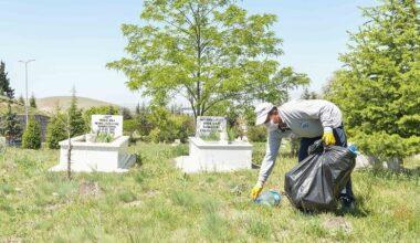 İlçe ve mahalle mezarlıklarında bayram temizliği