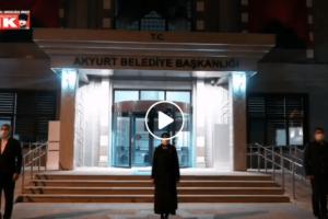 21:00'da Türkiye İstiklal Marşı'nı okudu