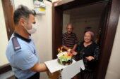 Yenimahalle Belediyesi'nden Eroğlu çiftine 42. yıl jesti