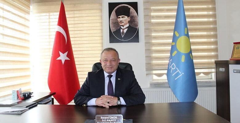 İYİ Parti İlçe Başkanı Ünür: Siyasi şov
