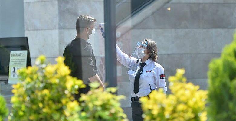 Bilim kurulu üyesinden AVM ziyaretçilerine uyarı