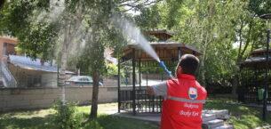 Gölbaşı ilçesinde park ve bahçeler ilaçlandı