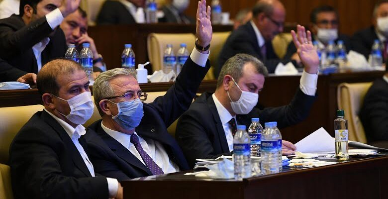 """Büyükşehir Belediye Meclisinde 15 Saatlik """"Faaliyet"""" Mesaisi"""