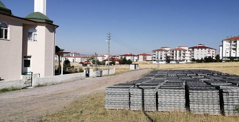 Büyükşehir'den Akyurt'a kilit parke taşı desteği
