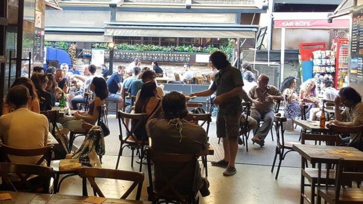 Lokanta ve Barların Saat Kısıtlaması Kaldırıldı