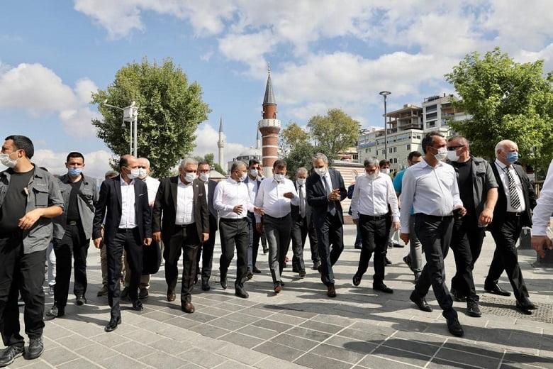 İmamoğlu'ndan Jüri Üyeleriyle Üsküdar Gezisi