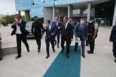 Başkan Şimşek, Mega Projeleri için Görüşmelerine Devam Ediyor