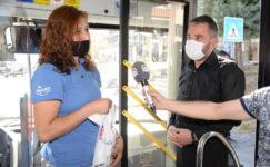 Halk otobüsüne bindi, vatandaşları uyardı