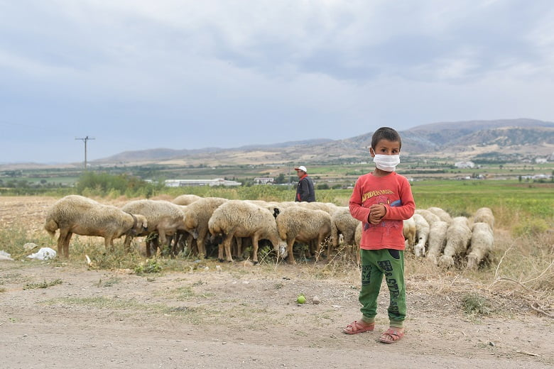 Akyurt ve Kalecik'te mevsimlik işçilere hijyen paketi