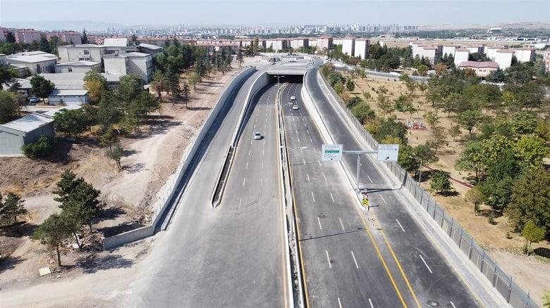 Türk Kızılayı Caddesi'ndeki köprülü kavşaklar trafiğe açıldı