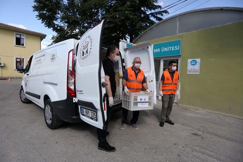 Yenimahalle Belediyesi'nden sağlık çalışanlarına tatlı jest