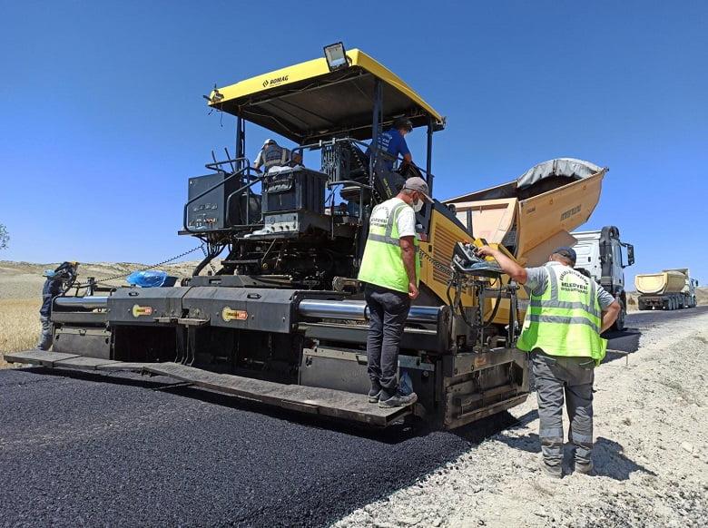 Büyükşehir'den asfalt hamlesi… Akyurt'ta 3 nokta…