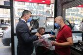Gölbaşı Belediyesi'nden esnafa; şampuan, kolonya ve tek kullanımlık önlük dağıtımı