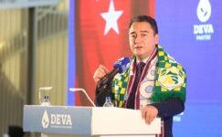 Babacan: 'Koronavirüs salgınında gerçekleri gizlemeyi bırakın'