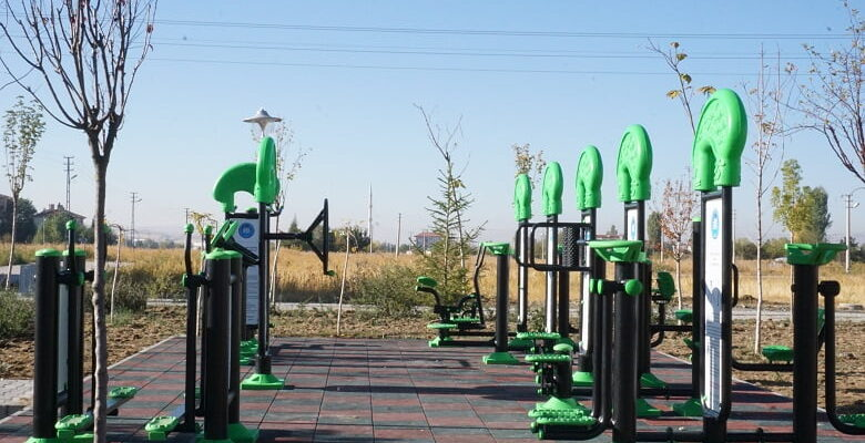Akyurt Belediyesi parkları yeniledi