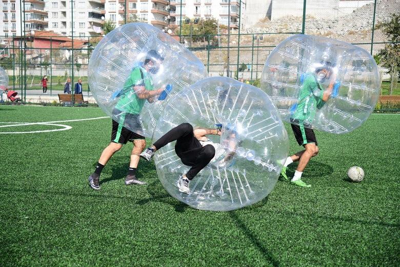 Mamaklı gençler Balon Futbolu ile tanıştı
