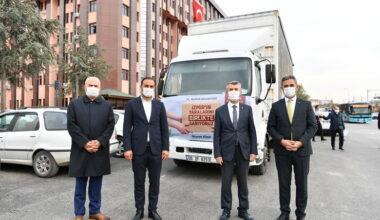 Mamak'tan İzmir'e yardım tırı yola çıktı