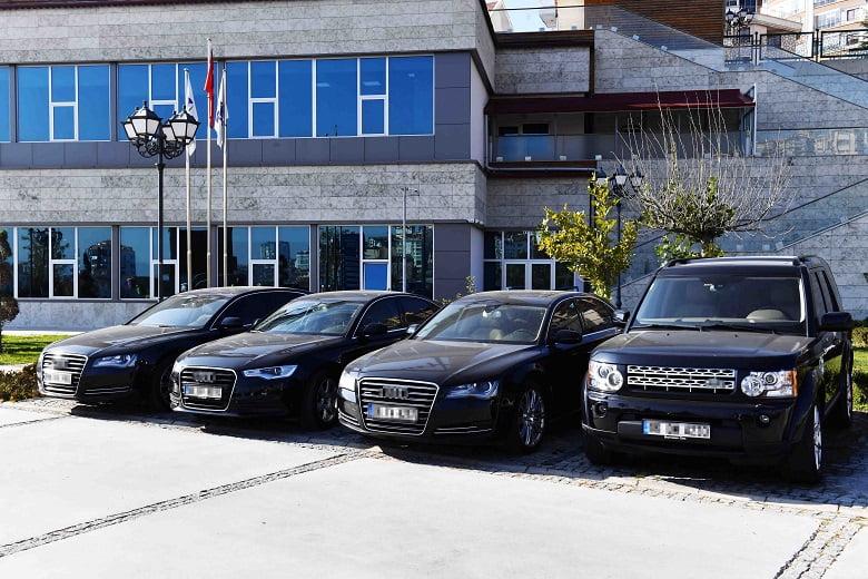 Büyükşehir'den lüks araç satışı