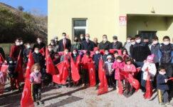 Başkan Geygel, Yağızoğlu'ndaki çocukları sevindirdi