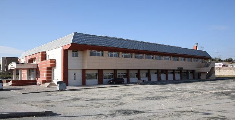 Cumhuriyet Kapalı Spor Salonu'nun tadilat işleri başladı
