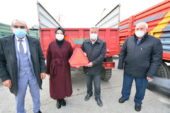 Akyurt Belediyesi çiftçilere reflektör dağıttı