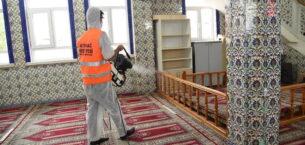 Camilerde detaylı temizlik