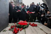 Başkan Yaşar, Mumcu Ailesi'ni ziyaret etti