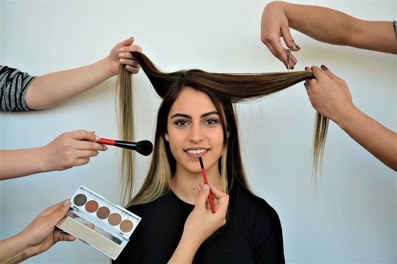 Evde Uygulanabilecek Pratik Cilt ve Saç Bakım Önerileri