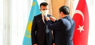 Altındağ Belediye Başkanı Asım Balcı'ya Türk Akademisi'nden madalya