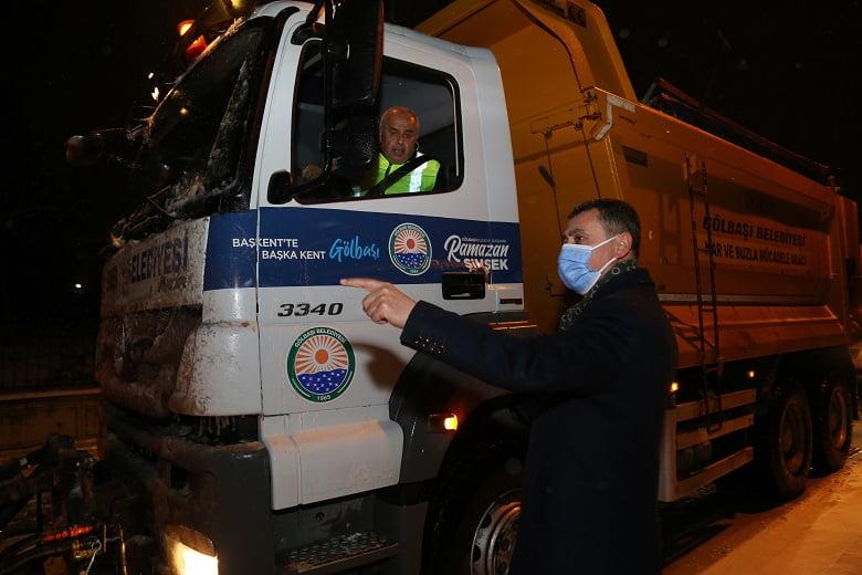 Başkan Ramazan Şimşek'in Yoğun Kar Mesaisi