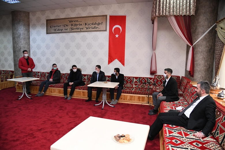 Başkan Çetin gençlerle buluştu