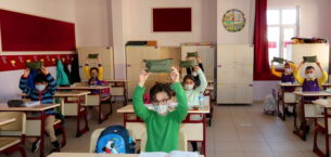 3 günde okullara 6 bin 600 hijyen seti dağıtıldı