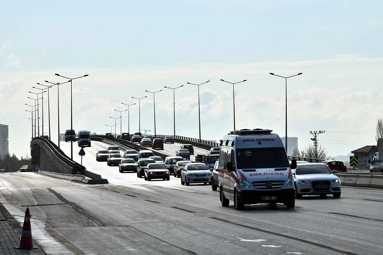 Başkent'te ulaşım hamlesi sürüyor