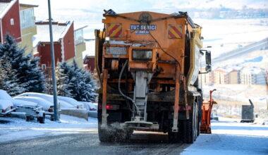 Yenimahalle Belediyesi'nden kar mesaisi