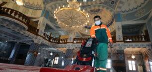 Çankaya'da camilere ramazan temizliği