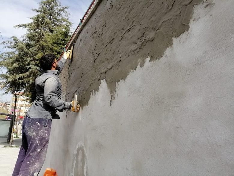 Pursaklar'da Gri Duvarlar Sanata Dönüşüyor