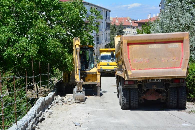 Akyurt Belediyesi kaldırım çalışmalarına başladı
