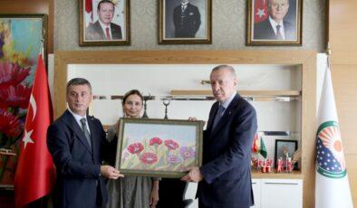 Cumhurbaşkanı Erdoğan Başkan Şimşek'i ziyaret etti