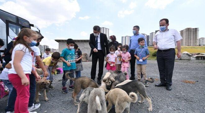 Pursaklar'da Minik Öğrencilerinden Örnek Davranış