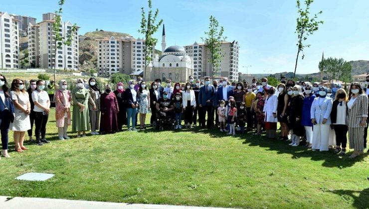 Başkan Yavaş 20 Haziram Mülteciler Günü Nedeniyle Ağaç Dikme Etkinliğine Katıldı