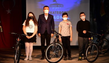 Altındağ Belediyesi'nden gençlere ödül