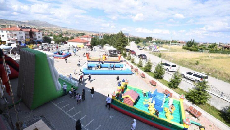 Pursaklar'da Çocuk Şenliği'nin Yeni Adresi Altınova Mahallesi