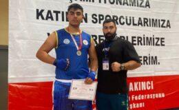 Yenimahalle'nin sporcuları madalya ile döndü